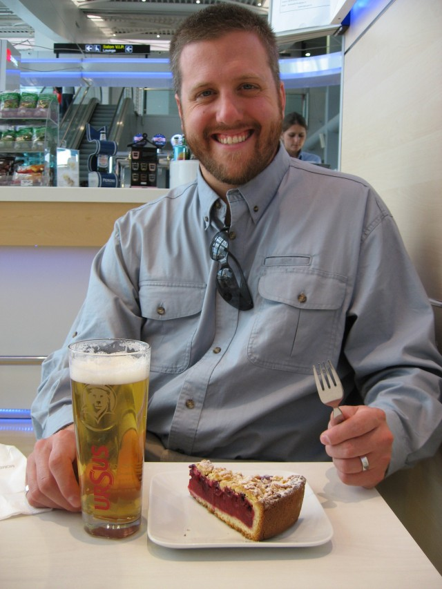 My husband's favorite meal of the trip-- beer and cherry pie as we bid Romania 'la revedere'