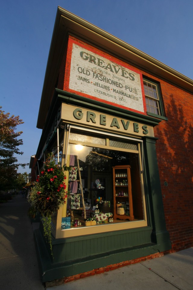 Our walking tour began with muffins and jam from Greaves, a local favorite. We also sampled olive oils, cheese, baked goods, fudge and more--I was stuffed!