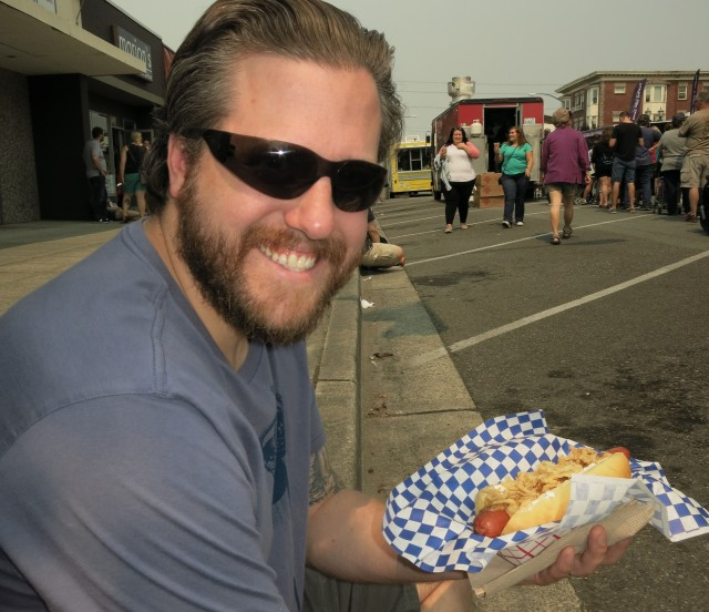 Not a true Seattle dog, but it did have the cream cheese (as well as spicy mustard and crispy onions-- YUM!)